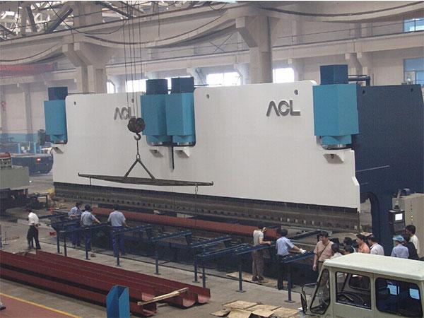 2-W67K electro-hydraulic synchronous CNC bending machine